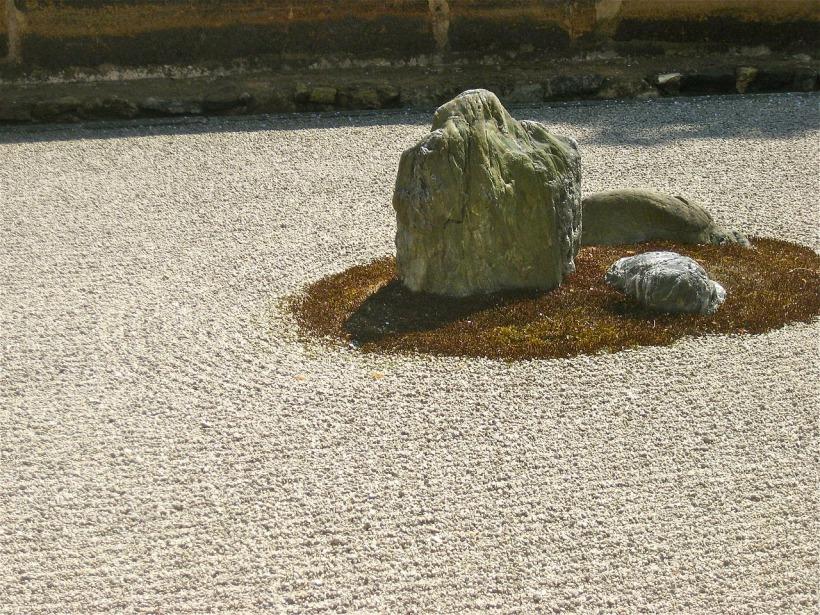 steine im japanischen garten